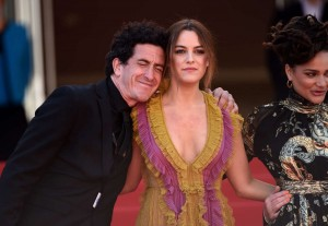 riley-keough-at-american-honey-premiere-cannes-film-festival-2016